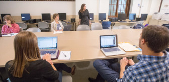 Jaimi Dowdell, Investigative Reporters and Editors, leads an advanced class on computer assisted reporting techniques.