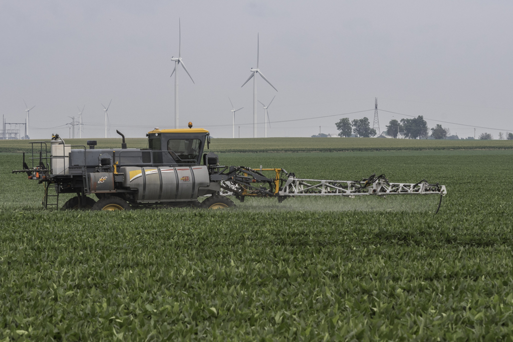 Trump EPA removes tool states use to protect farmworkers, environment